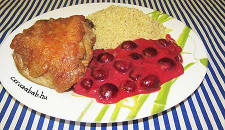 Csirkecomb kuszkusszal és joghurtos meggyszósszal