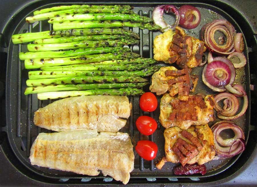 Grillezett hal, csirke és spárga