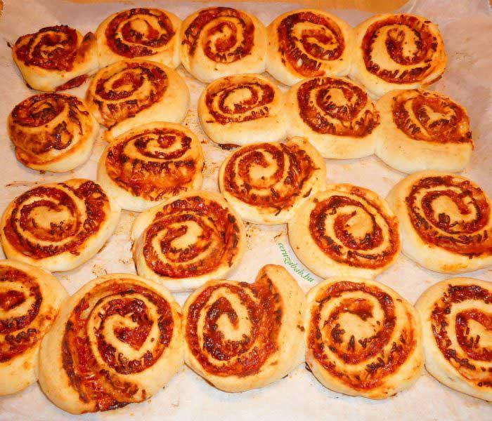 Gluténmentes pizzás csiga