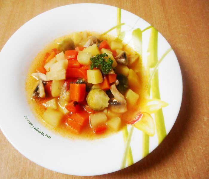 Egyszerű zöldségleves