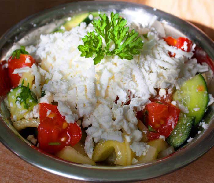 Sopszka (shopska) saláta