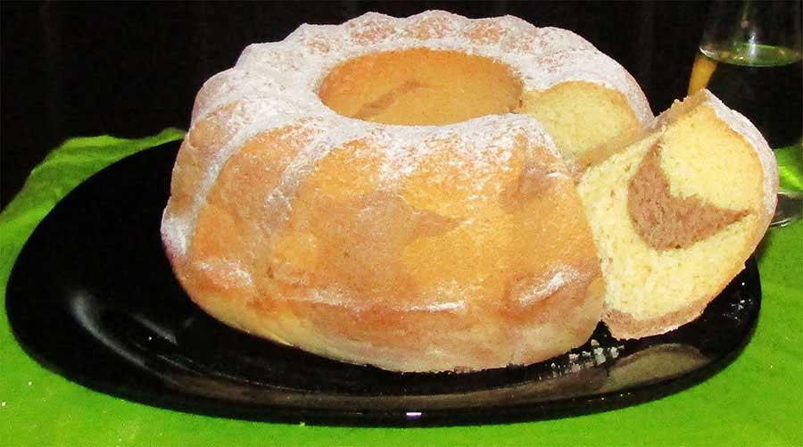 Fahéjas-vaníliás kuglóf