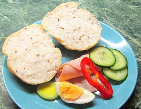 Lenmagos-kefires zsemle vagy kenyér
