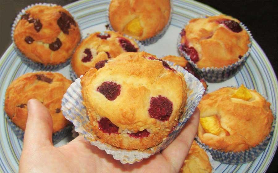 Gyümölcsös, csokis, nutellás muffin – bögrés változat