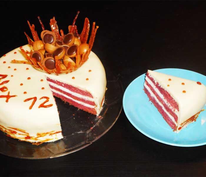 Vörös bársony (red velvet) marcipán torta